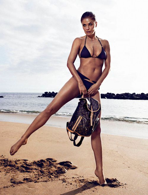 HELENA_CHRISTENSEN_by_Xavi_Gordo_03.jpg