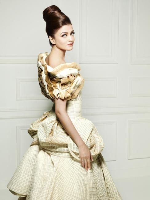 Aishwarya-ELLE-india---FAshion-india-3.jpg