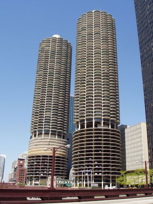 3-bertrand-goldberg chicago-marina-city-1959-1