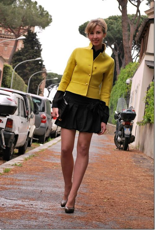 7_yellow-blazer-black-skirt_thumb.jpg