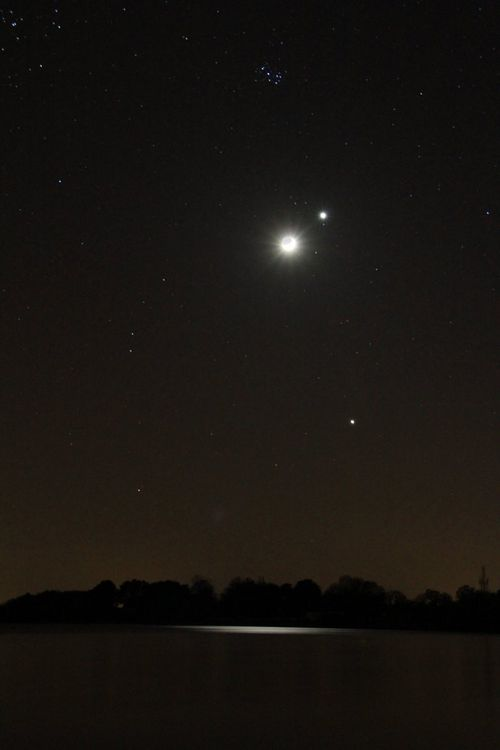 lune cendre-venus-jupiter-pliades-sur lac 26 mars 2012