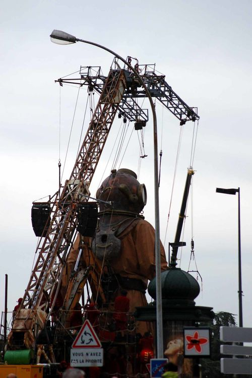 royal de Luxe Nantes 5 juin 2008 scaphandrier