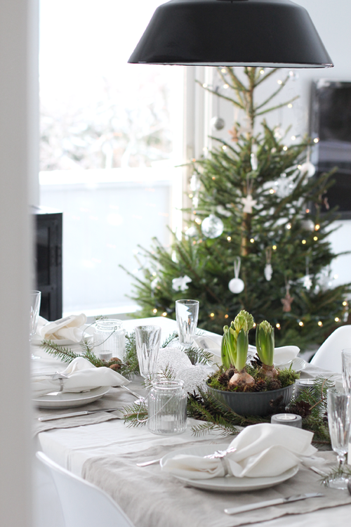 Christmas-table-setting11.png