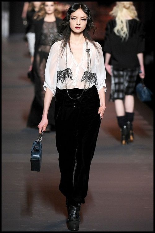 Dior-Galliano-automne-hiver-2011--21.jpg