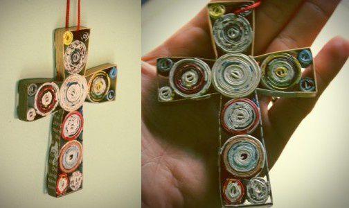 croix-revues-recyclees.jpg