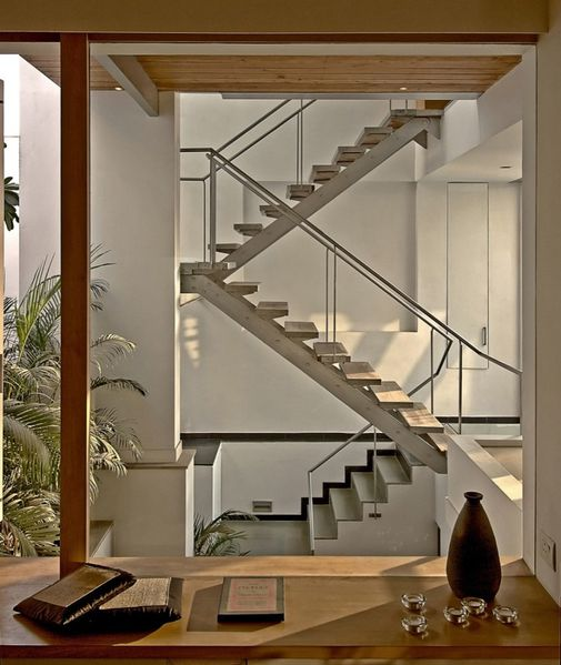 1285340006-staircase-2-843x1000