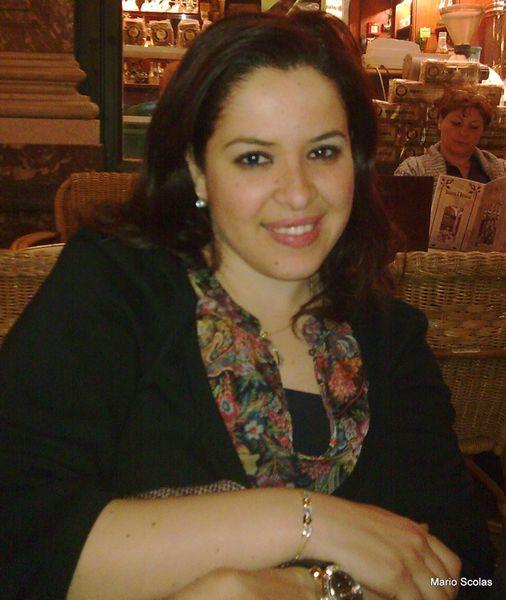 Sanaa Marahati entre malhoun et gharnati . قصيدة : فاطمة
