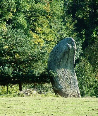 14-le-menhir-du-metayer