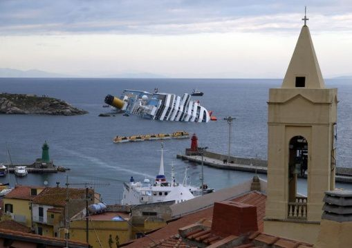 naufrage-costa-concordia-compagnie-accuse-son-commandant-mo.jpg