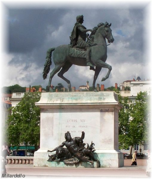 rm-pb-lyon-place-bellecour--statue-louis-14-2.jpg