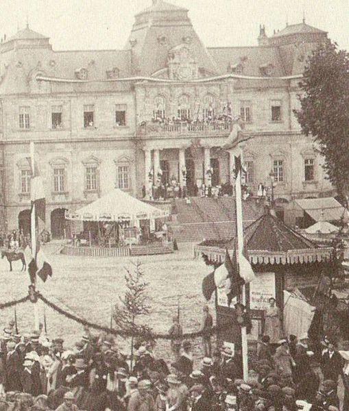 Manège - Place du Champ de Mars - 05