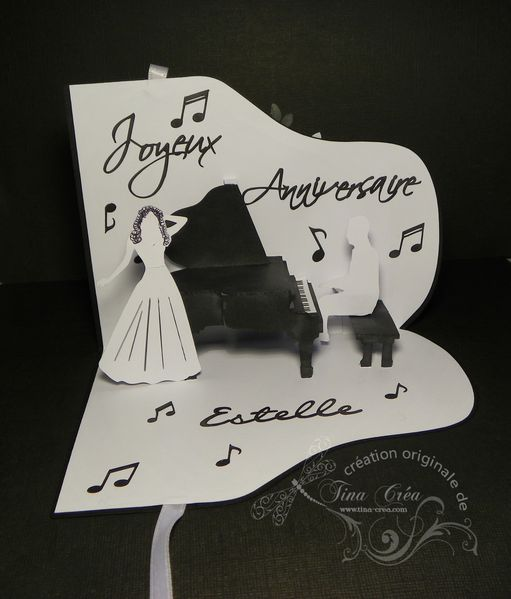 carte-anniversaire-pop-up-pianiste-et-cantatrice.jpg