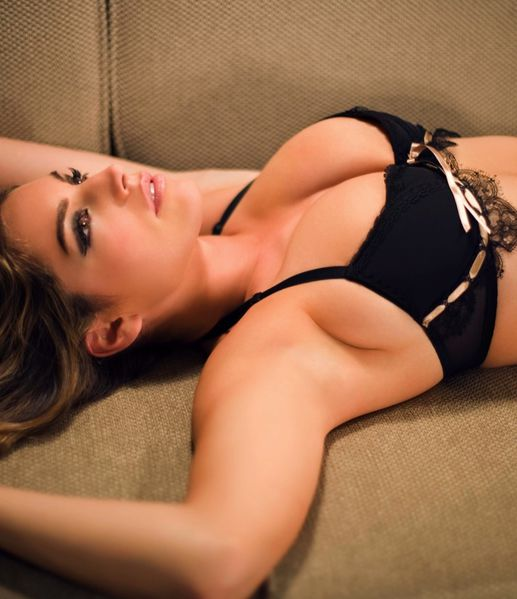 boobs-kelly-brook-lingerie-playboy--Kelly-Brook-5.jpeg