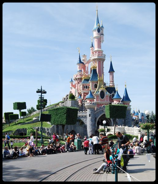 Chateau-Disneyland-Paris