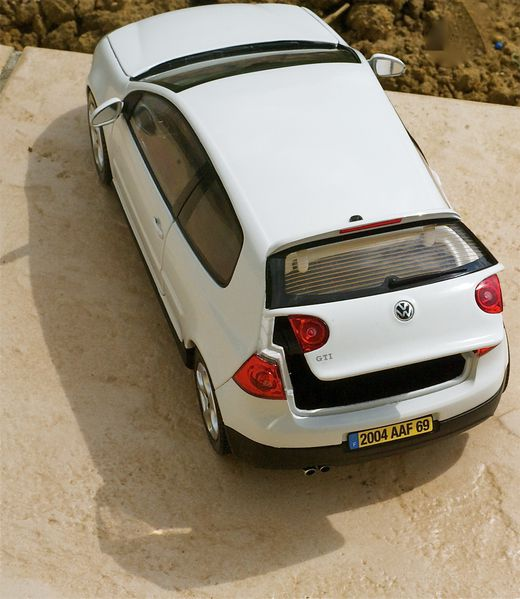VW GOLF GTI COUPE BLANC NOREV15