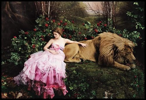 Annie Leibovitz Drew Barrymore The Beauty and the Beast 3
