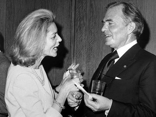 LAUREN BACALL ET JAMES MASON