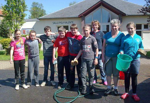 Foyer-jeunes-lavage-voiture2012.jpg