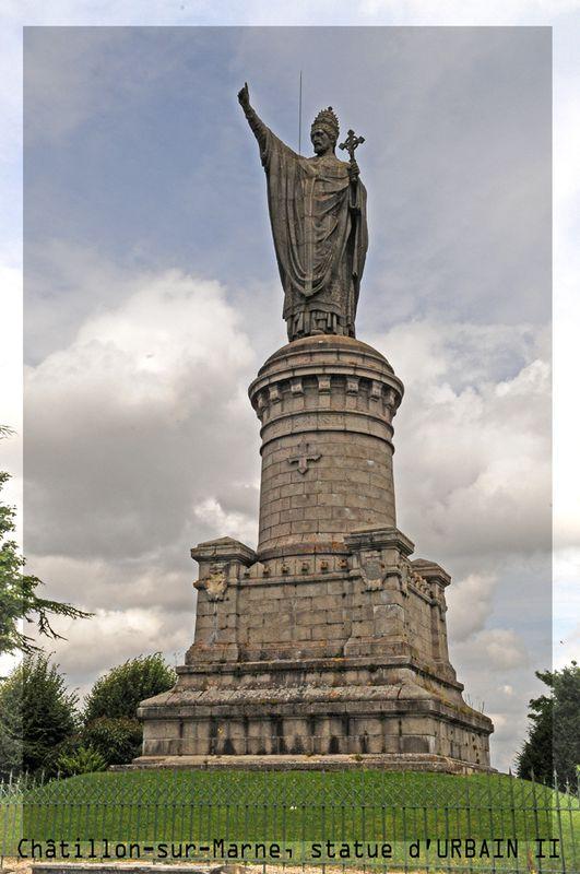 CHATILLON SUR MARNE, statue d'Urbain II ( Didier Simonnet )