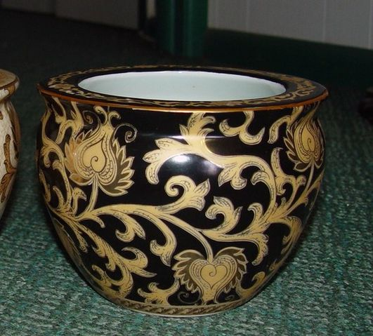 Bowl--ebony-black-and-gold-lotus-scroll-6-inch.jpg