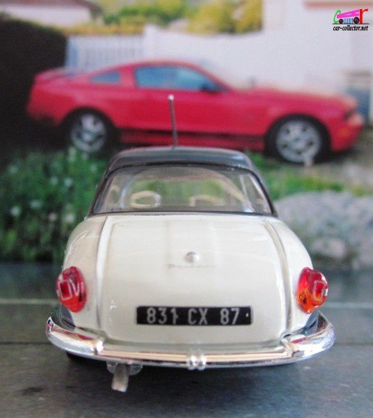 panhard-dyna-grand-standing-uh-voitures-francaises-copie-3