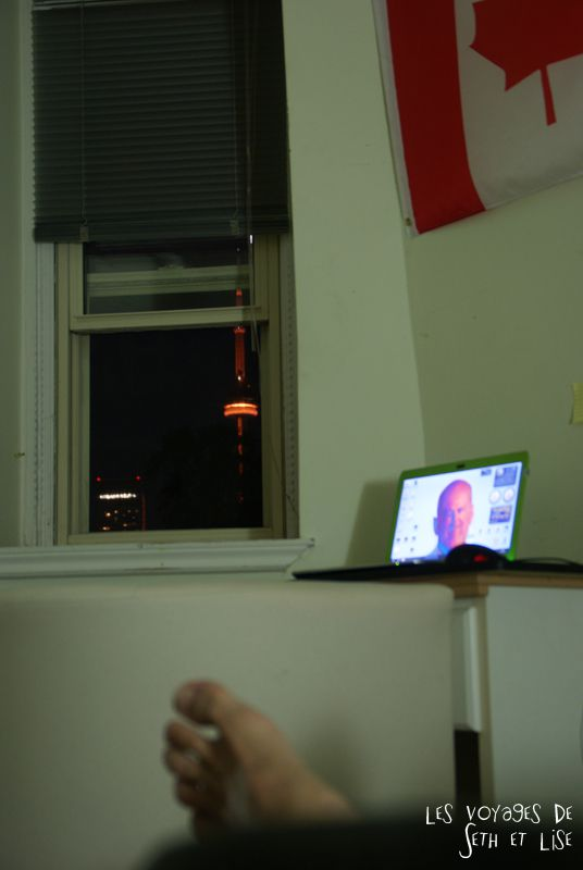 blog voyage canada toronto pvt photo collocation view bed window fenetre cn tower