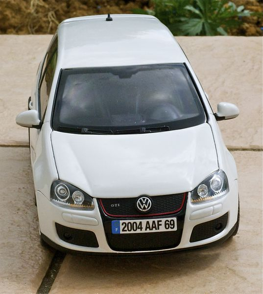 VW GOLF GTI COUPE BLANC NOREV12