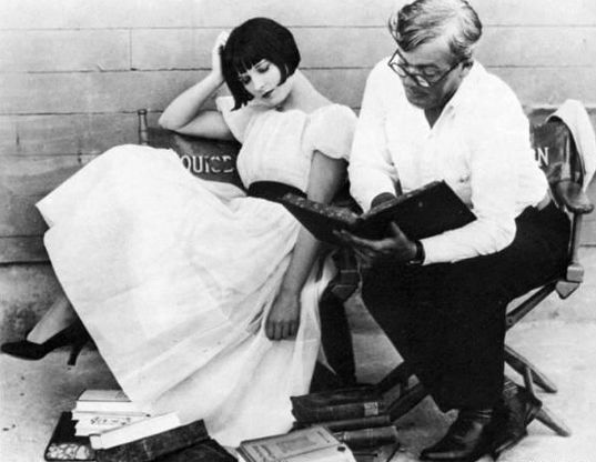 louise_brooks_on-set.jpg