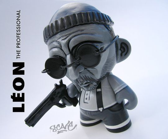 Leon_Mini_Munny_Custom_by_scavenjer.jpg