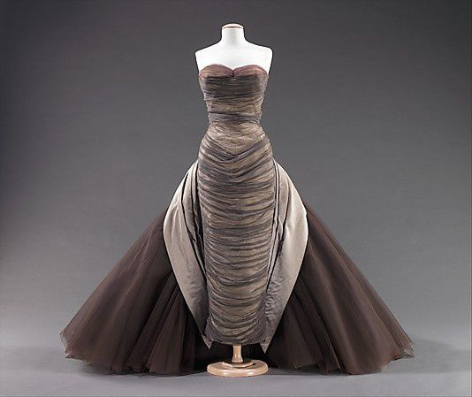 The-butterfly-gown---Charles-James-1955-8.jpg