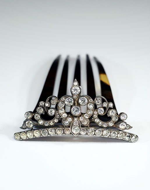 Peigne-diademe-aux-strass.jpg