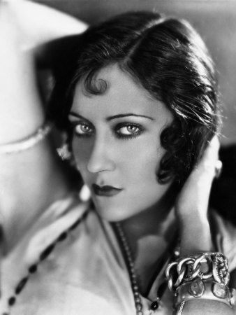 sadie-thompson-gloria-swanson-1928.jpg