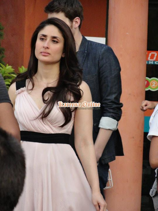 Kareena-Kapoor-bebo-On-the-set-of-advertisement-shooting-pi.jpg