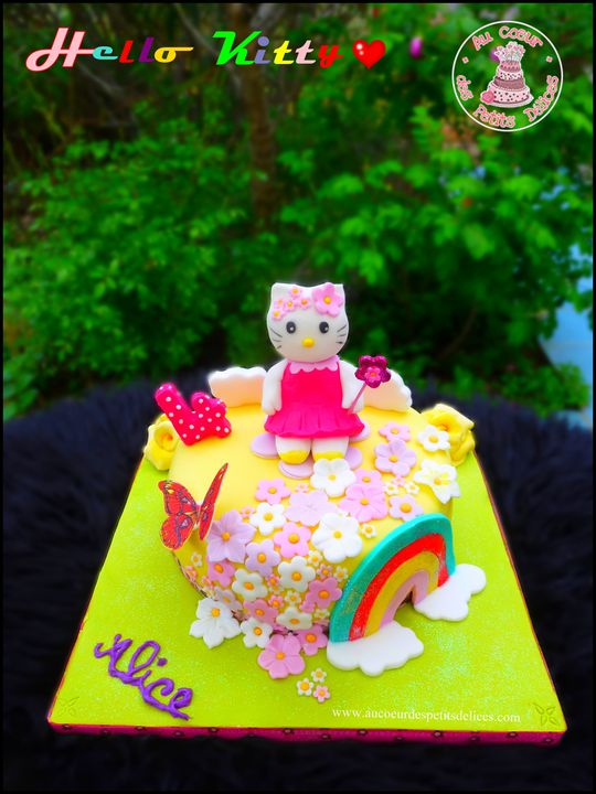 Gateau-hello-kitty-Alice.jpg