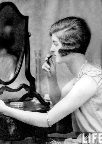 glamourdaze--1920s-lipstick1.jpg