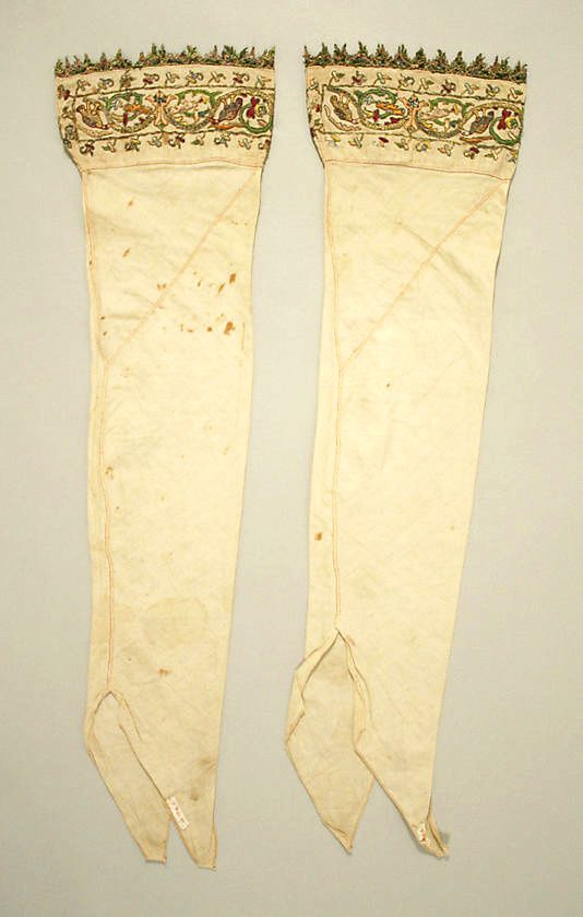 Stockings---linen-silk-and-metal-thread---italian--copie-1.jpg