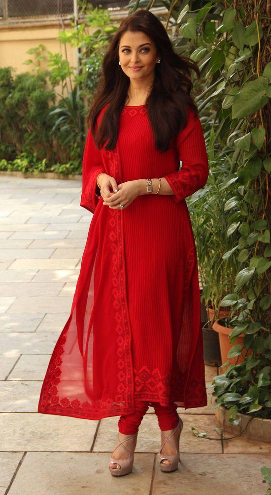 Aishwarya-Rai-b-birthday-1.jpg