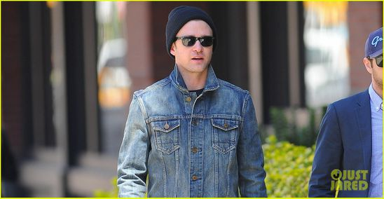 justin-timberlake-mirrors-ellen-performance-watch-now-02.jpg