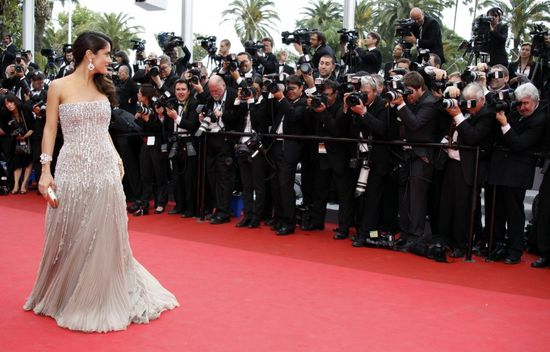 actress-hayek-cannes 2011