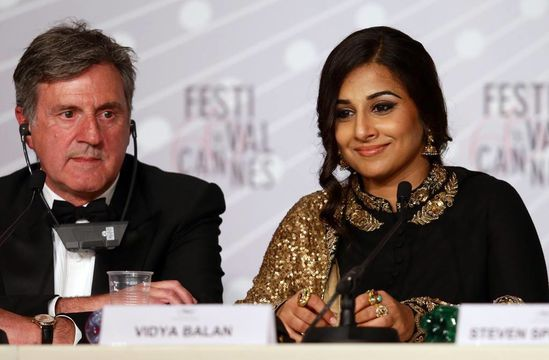 Vidya-Balan-at-the-Cannes-2013-closing-ceremony-13.jpg