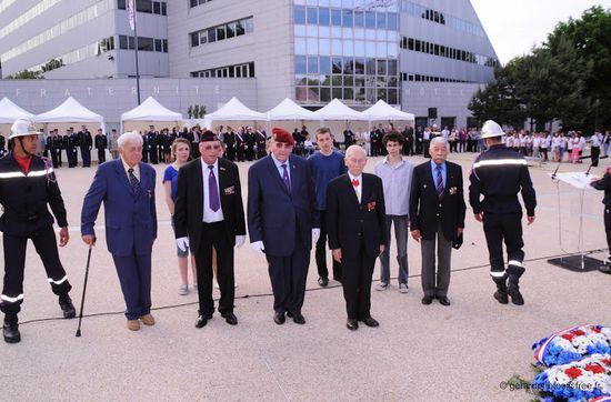Cergy---Ceremonie-Appel-18-juin---065-c-gerardp-copie-1.jpg