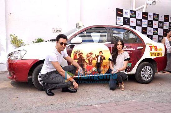 Imran-Khan-and-Anushka-Sharma-promote-Matru-Ki-Bij-copie-1.jpg