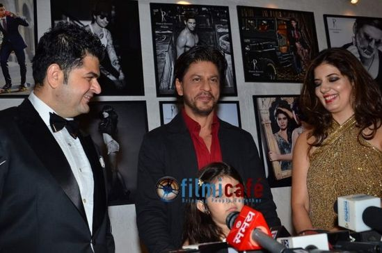 Celebs-at-Dabboo-Ratnani-s-2014-Calendar-Launch-1.jpg