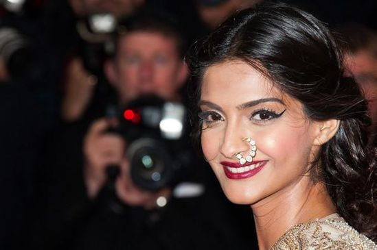 Sonam-Kapoor-at-The-Great-Gatsby-Premiere-at-Canne-copie-1.jpg