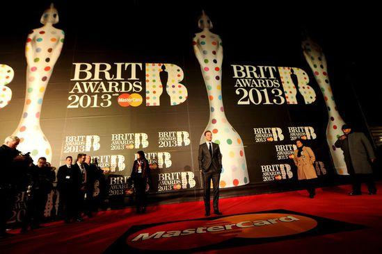 Justin-Timberlake-Brit-Awards-2013-Red-Carpet-U5fWwzxy_Vml.jpg