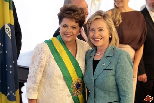 hilllary-clinton-hugo-chavez-2011-1-1-17-0-361.jpg