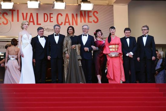 Vidya-Balan-at-the-Cannes-2013-closing-ceremony-4.jpg
