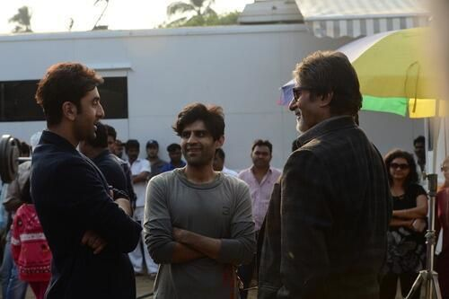Ranbir-Kapoor-with-Big-B-on-the-sets-of-Bhootnath-Returns-f.jpg