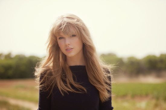 taylor-swift-wallpaper-natural-makeup-2012.jpg