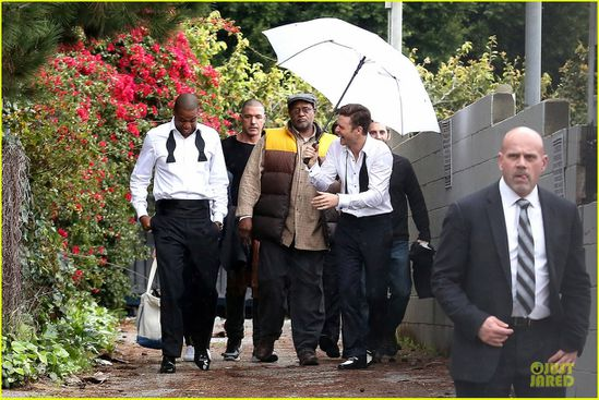 justin-timberlake-suit-_-tie-music-video-shoot-with-jay-z-0.jpg